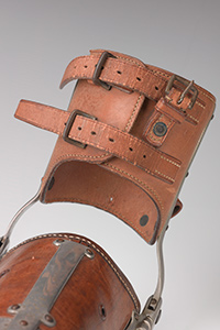 Heavy duty arm for an adult male, 1928